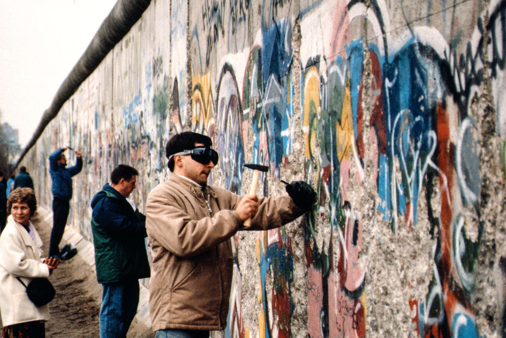 the rise of the berlin wall essay