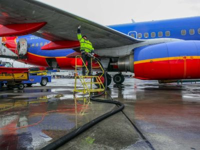 Passenger Numbers Up, Fuel Use Down for U S  Aviation