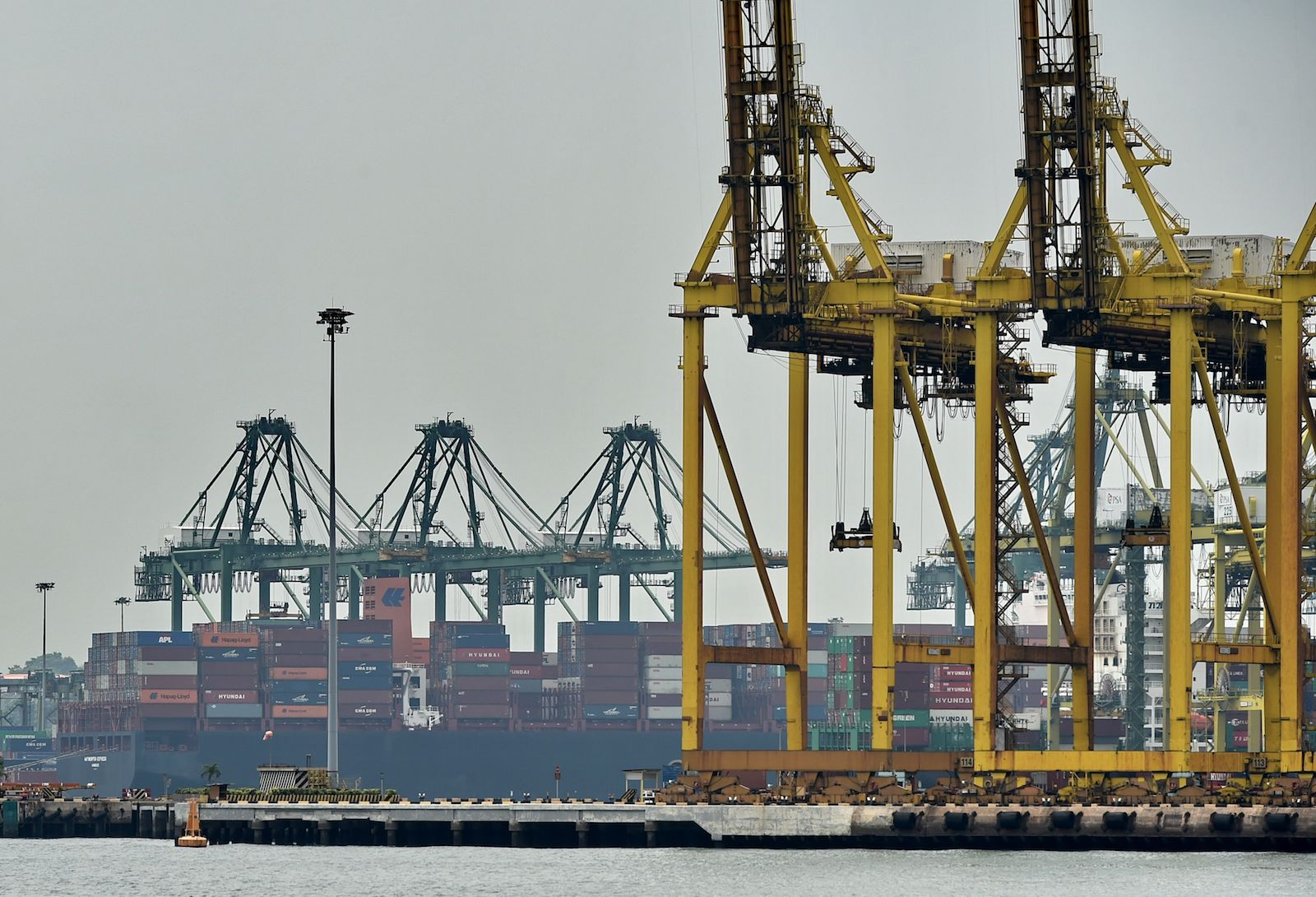 Can Singapore's Shipping Hub Survive China's Maritime Silk Road ...