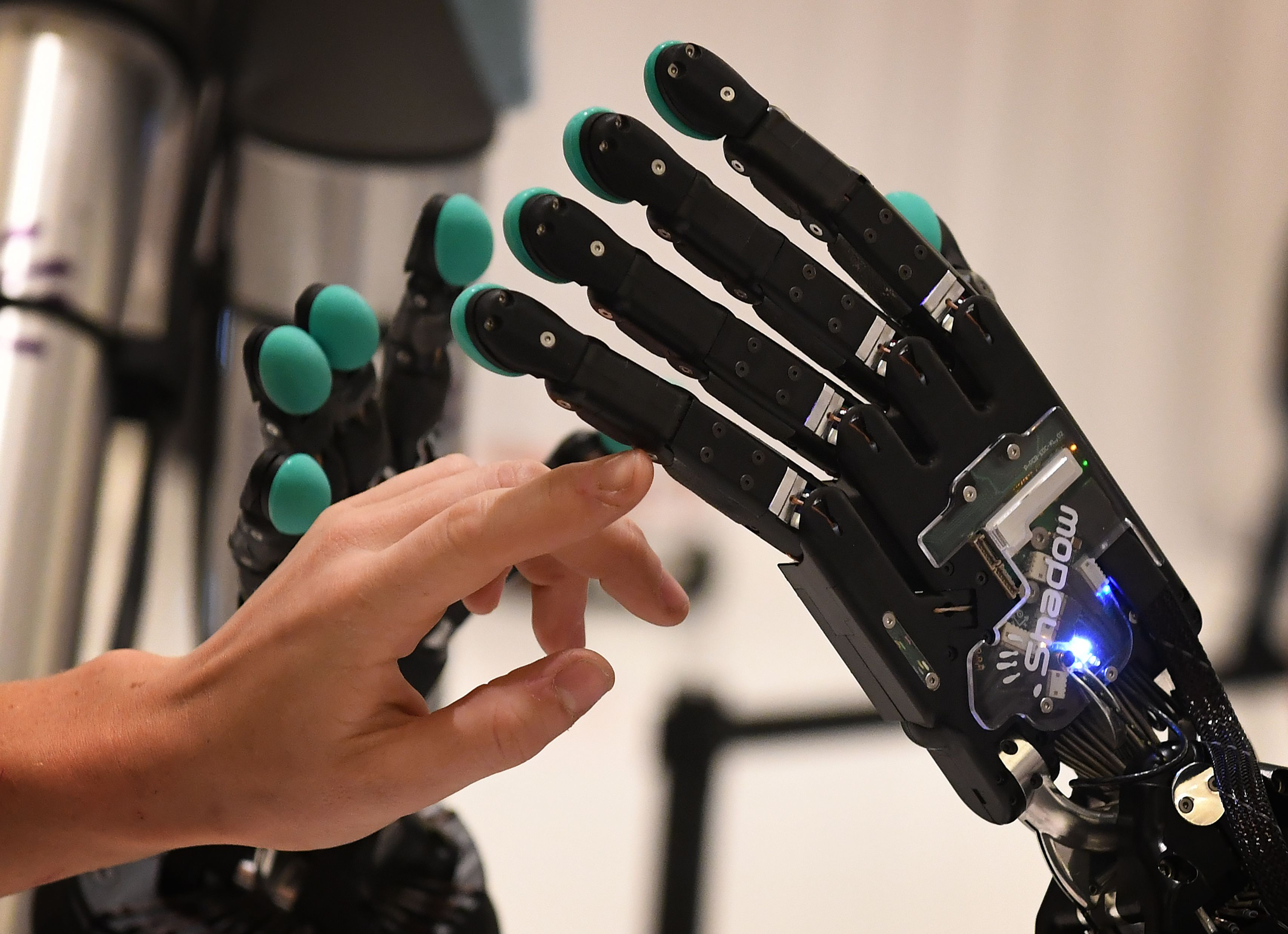 Can AI Teach You How to Be a More Effective Human? – Brink